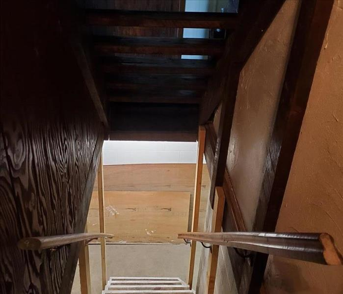 staircase following cleaning of dust on walls